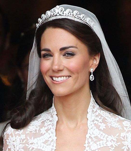 kate wedding dress design. kate wedding dress designer.