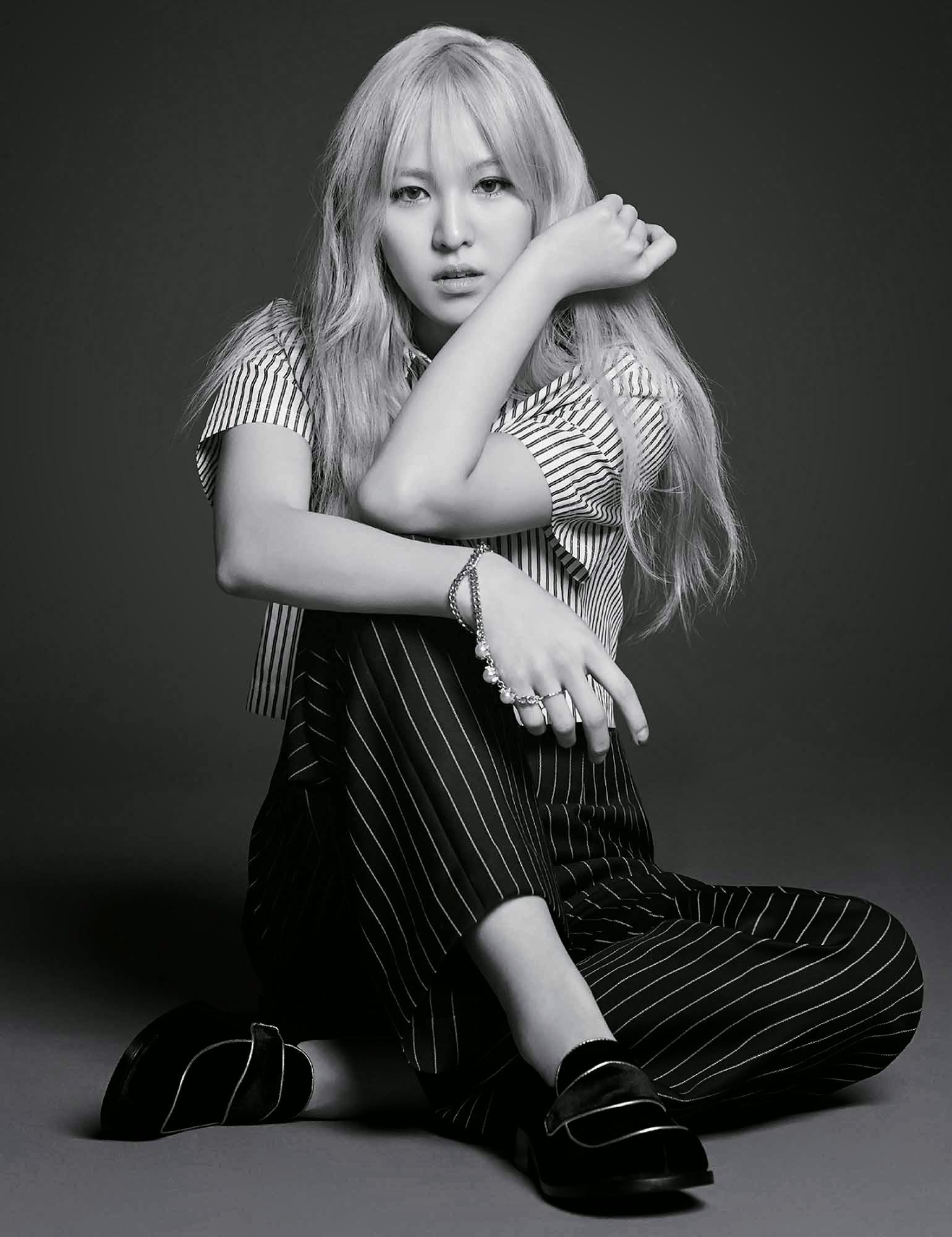 Red Velvet Wendy Harper's Bazaar May 2015