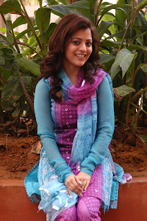 Nisha-Agarwal-Solo-Movie-Stills-CF-02.jpg