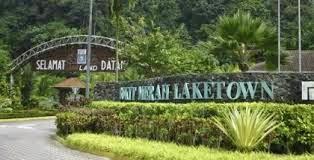 'pintu gerbang' ke resort