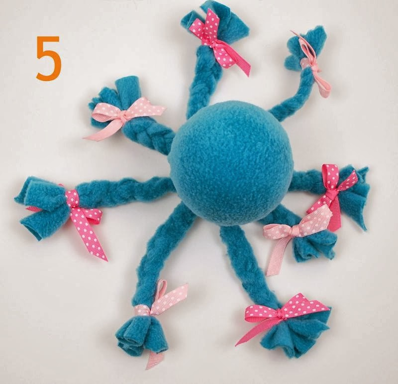 No-Sew Fleece Octopus Tutorial