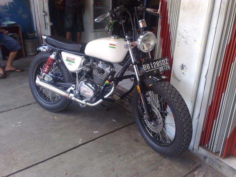 Modifikasi motor jap style gl max serpong title=