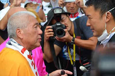 山本太郎さんとマック赤坂さん 1-初当院