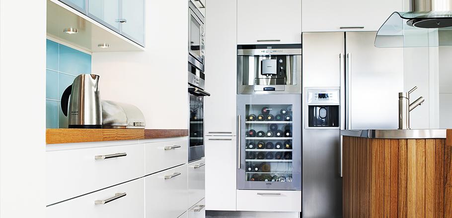 Una bodega en la cocina - Diseno de vinotecas ...