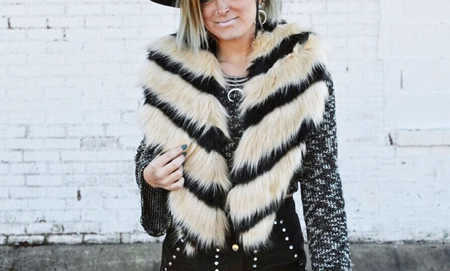 Nasty Gal De Ville Faux Fur Scarf - Cleveland Ohio Fashion Blogger