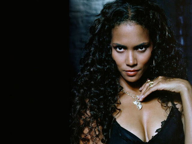 Hot Halle Berry Pictures