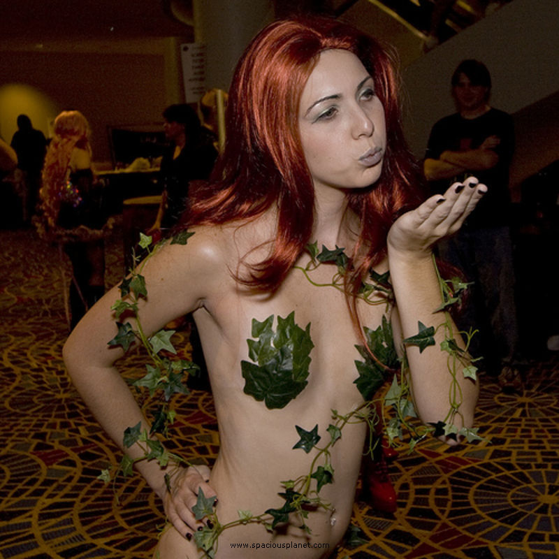 Poison ivy nude cosplay