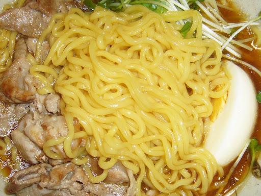 【セブン&アイ・東洋水産共同開発商品】金の麺 生麺への挑戦。醤油