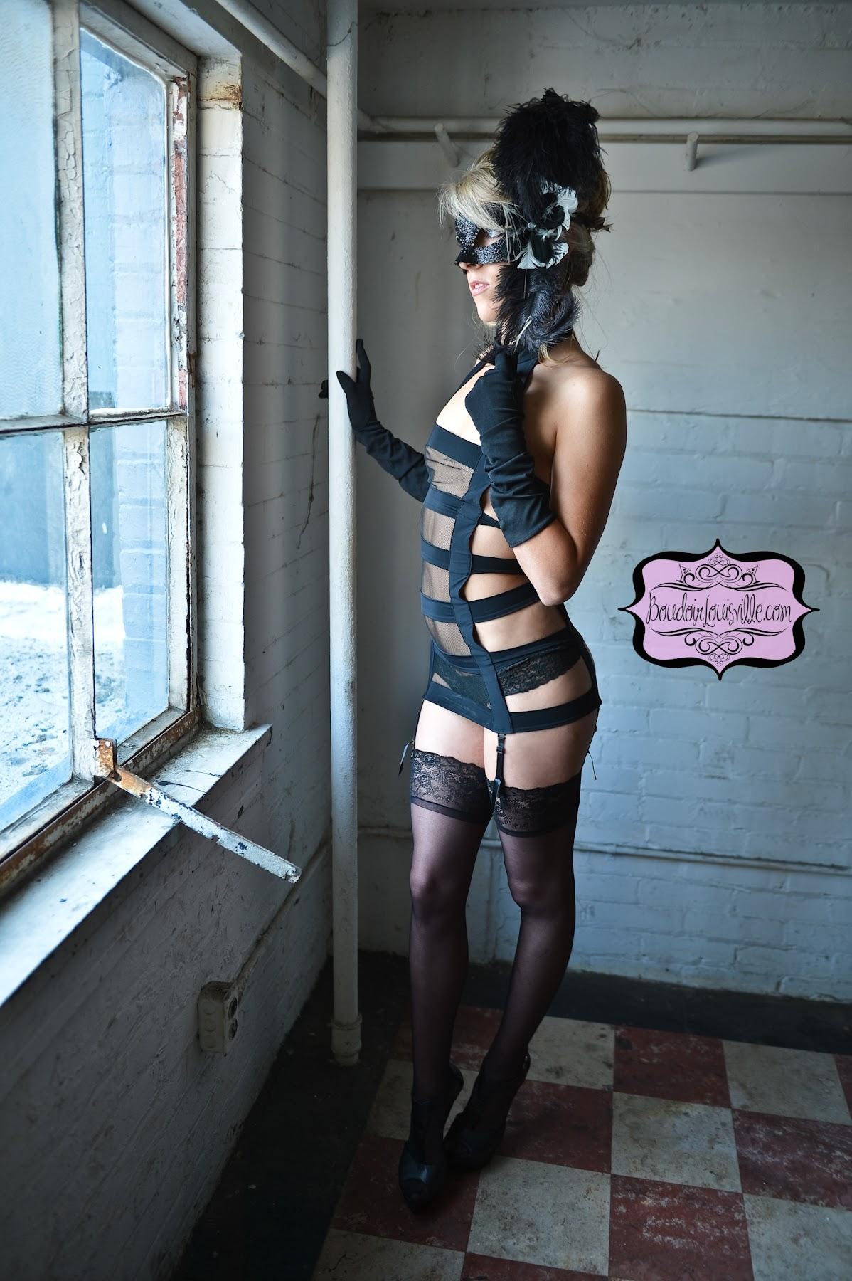 http://2.bp.blogspot.com/-QiKdIN0-9U8/UHwfLdaClUI/AAAAAAAAJIk/DOUqm3GsRpk/s1800/50+shades+of+gray+boudoir+photo+shoot+-+Boudoir+Louisville-11.jpg