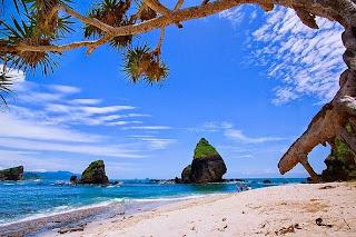 Inilah Tempat Wisata di Jawa Timur Yang Populer - Tanjung Papuma