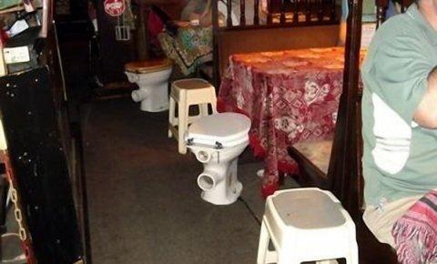strangest bars in the world holiday 4 u. Black Bedroom Furniture Sets. Home Design Ideas