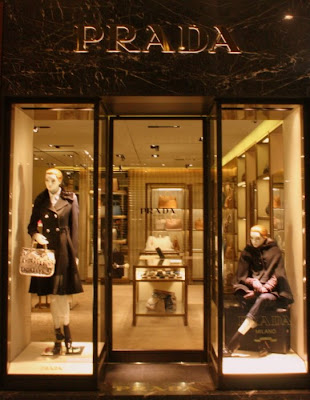 Prada, Prada Bologna, Galleria Cavour