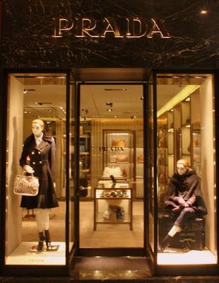 Prada, Prada Bologna, Galleria Cavour