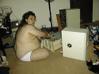 smešna slika: debeli ljubitelj računara