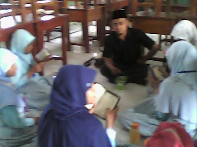 Ekskul Seni Baca Al Quran bersama Ustadz Ahmad Burdah