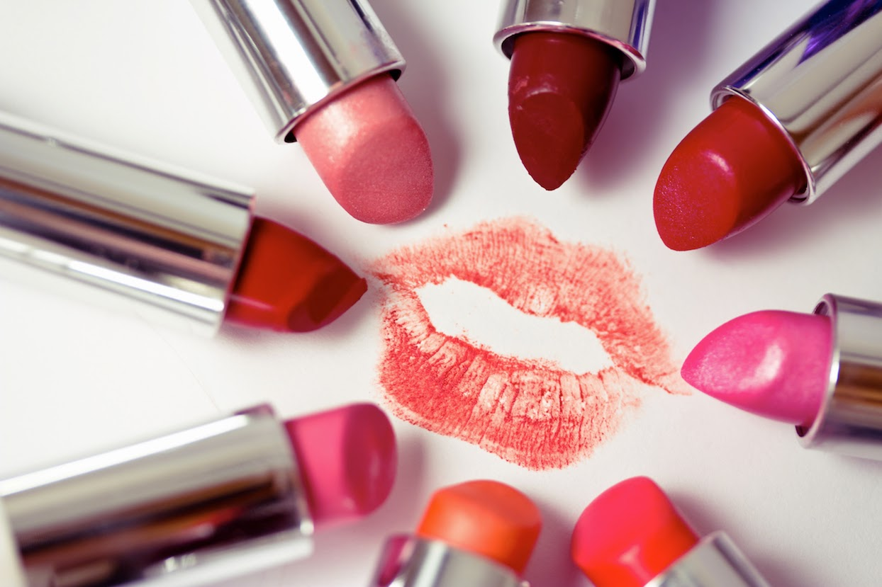 Tips Memilih Lipstik Untuk Kulit Kuning Langsat
