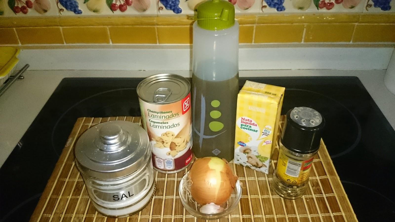 Recetas de elena champi ones con cebolla y nata for Cocinar champinones laminados