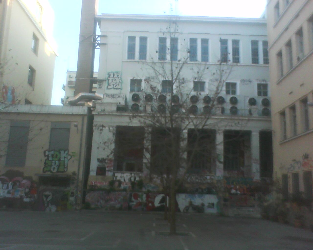 the  yard  of  the  superior  polytechnical  school  of  athens  is  a real  grafity  museum