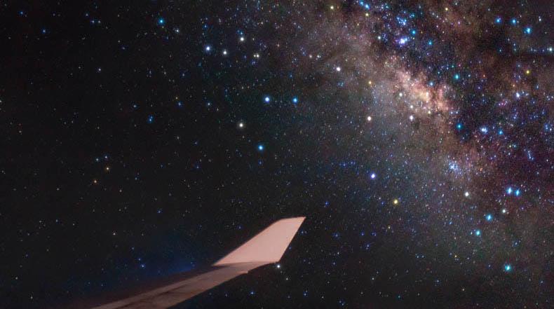 Imagen del día: Hermosa foto de la Vía Láctea capturado desde una ventana de avión
