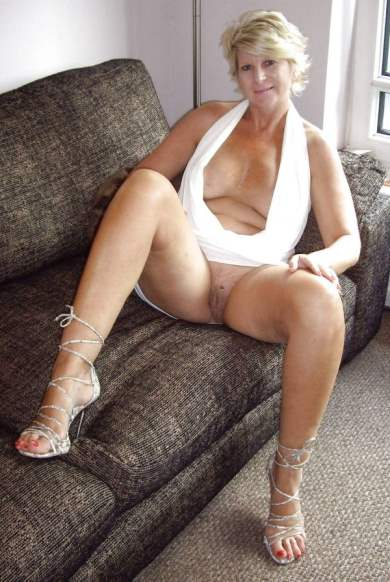 Hot plus size nude moms
