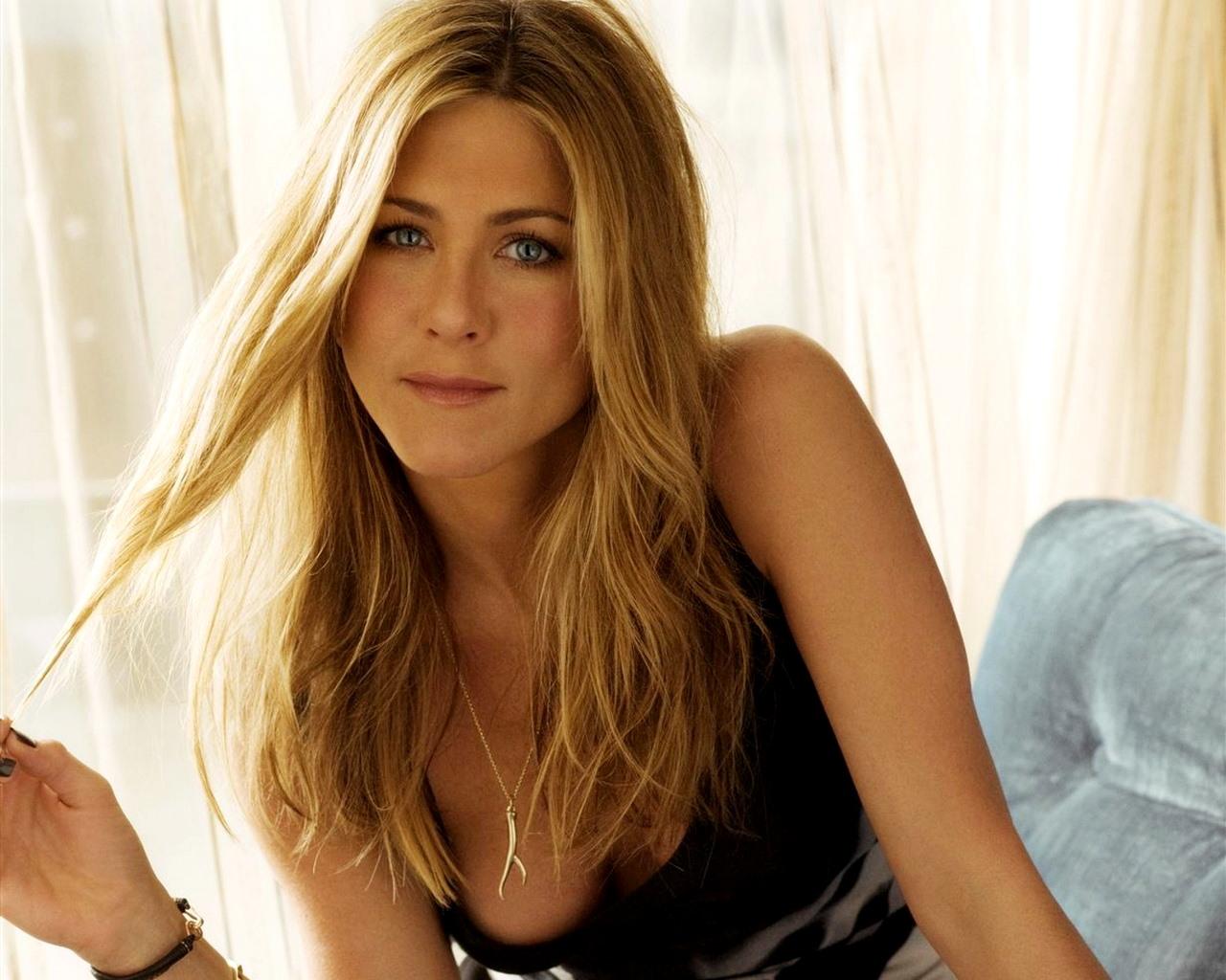 http://2.bp.blogspot.com/-QjyjPY7X7m4/URx5UZBWSdI/AAAAAAAADkU/160QHmGB3RA/s1600/Jennifer+Aniston_3.jpg