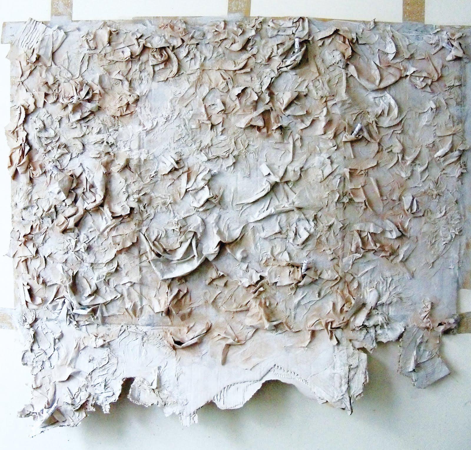 Le Mur, ou le  pansement - carton, papier, peinture - 2012