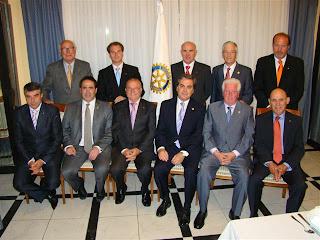 Miembros entrantes y salientes del Rotary Club de Béjar