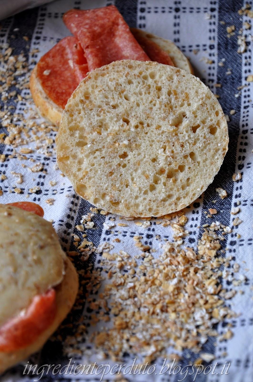 Focaccine al grano spezzato-ingrediente perduto