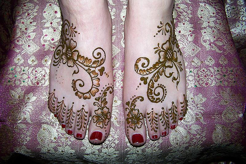 Feet Mehendi Floral Designs.jpg Bridal Feet Mehndi Designs Pictures, Images, Photos