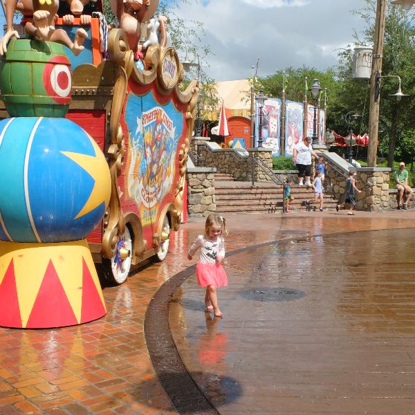 Walt Disney World, Magic Kingdom, Splash N Soak Station