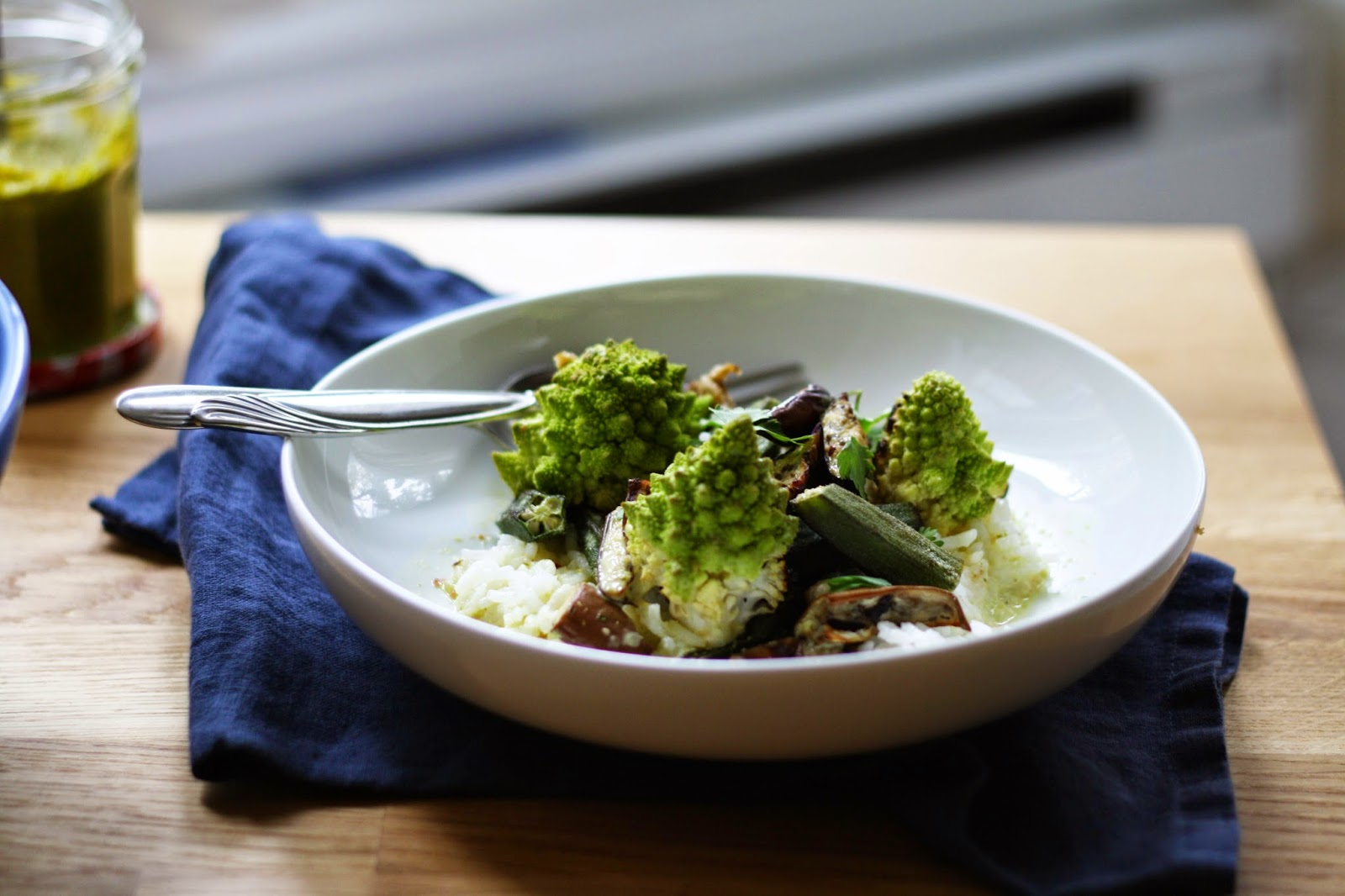 green curry with okra, eggplant + romanesco // sevengrams
