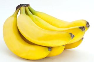 tips cantik bibir alami dengan pisang