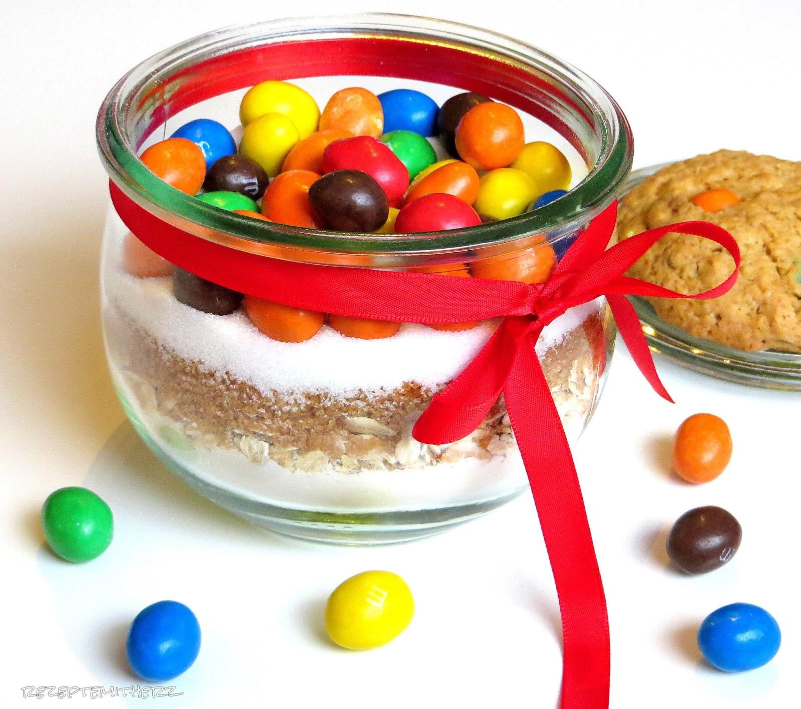 rezepte mit herz backmischung im glas cookies mit m ms. Black Bedroom Furniture Sets. Home Design Ideas