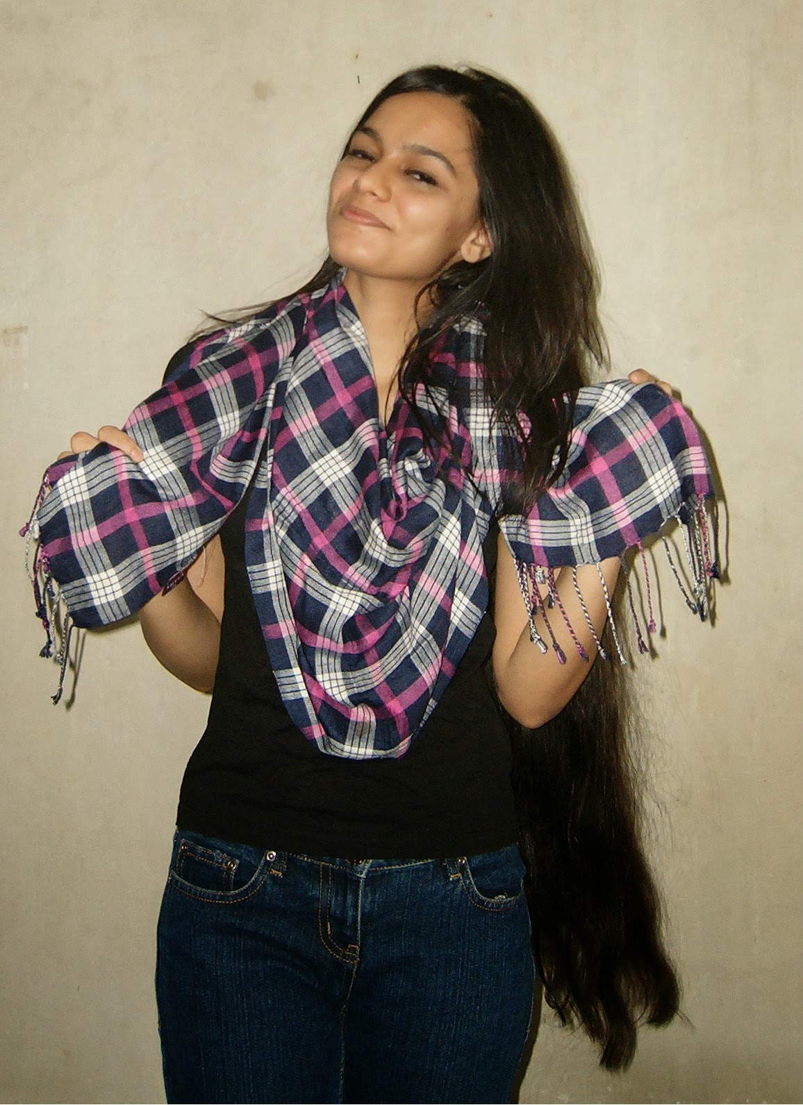 how to wear a plaid scarf, winter scarves, checkered scarves, plaid scarf