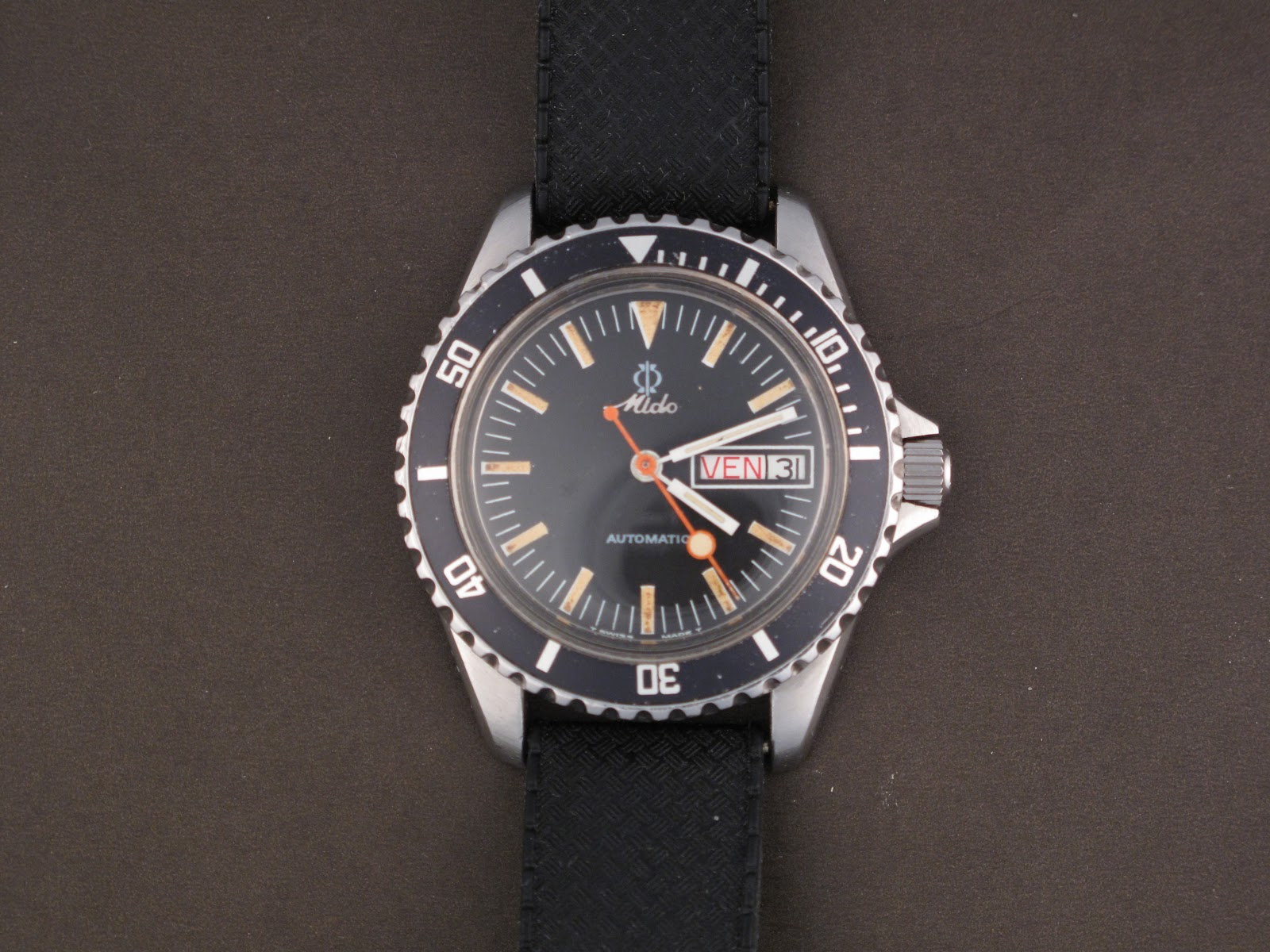 Vintage dive watch for Under water watches