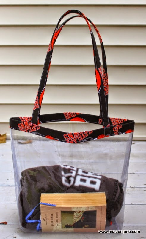 http://www.maidenjane.blogspot.com/2014/10/diy-nfl-clear-tote-bag.html