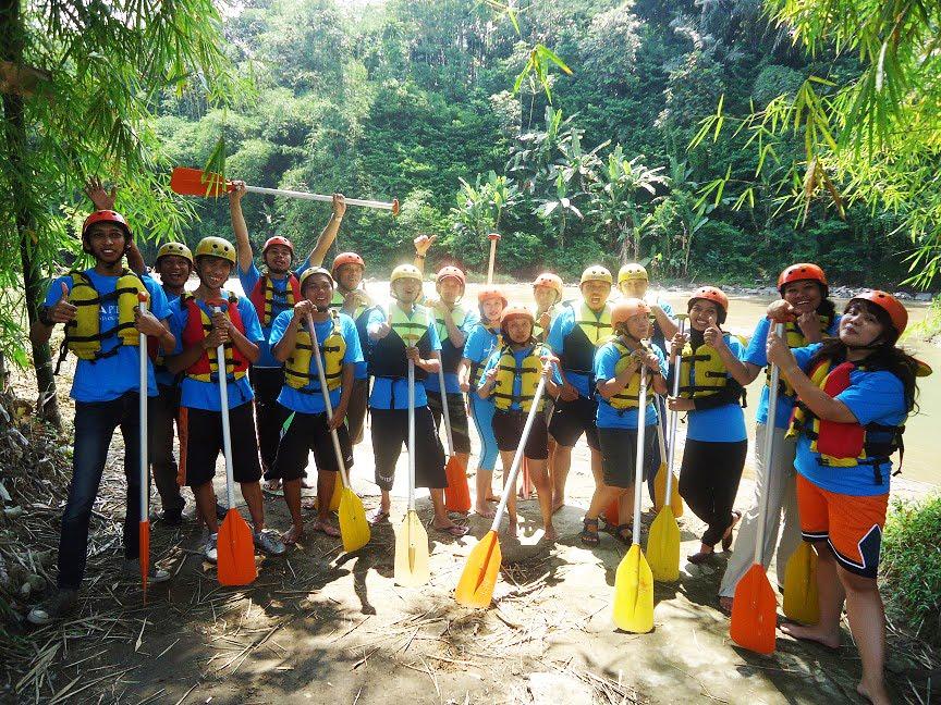 Tempat Wisata Arung Jeram Di Magelang Arung Jeram Magelang Jogja Paket Rafting Sungai Elo River