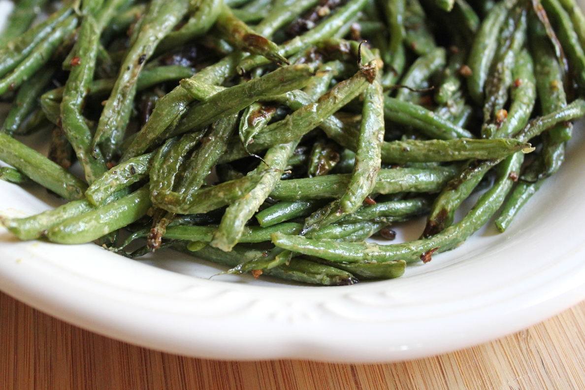 Teaspoon and A Pinch: Charred Green Beans