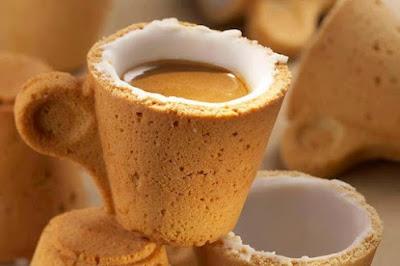 Cawan kopi yang boleh dimakan