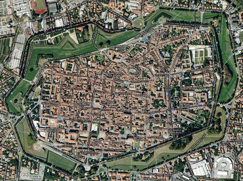 Cosa vedere e fare a Lucca Toscana le mura piazza anfiteatro itinerari e consigli