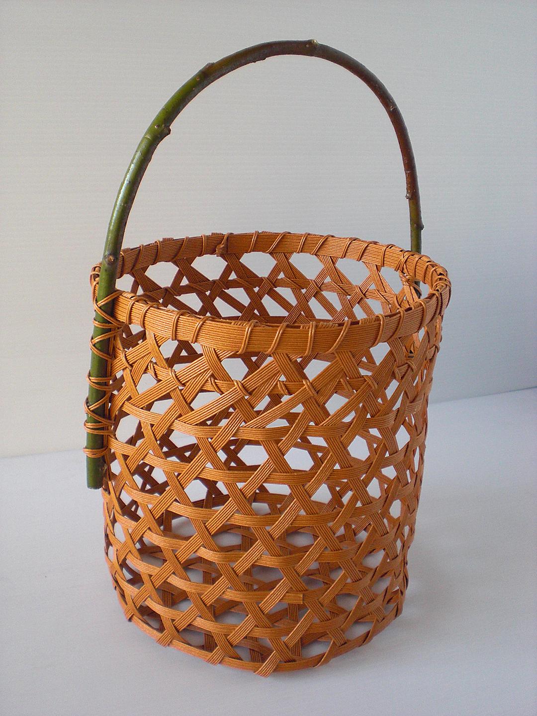 和風を楽しむエコクラフト かごとかご雑貨 P19 六つ目の花かご4