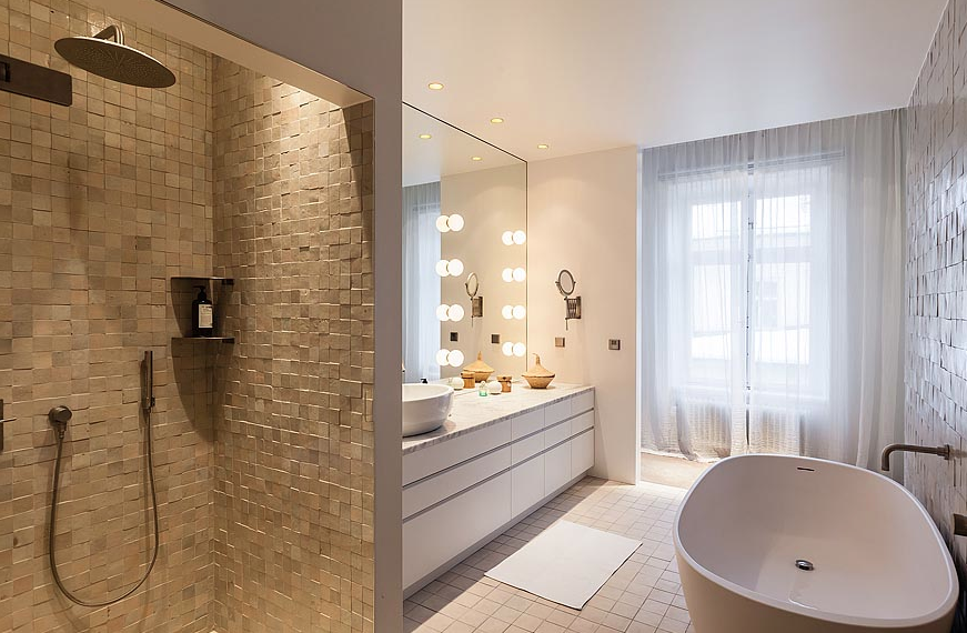 Studio karin modern stil i 1800 talsv ning - Kleine badkamer leroy merlin ...