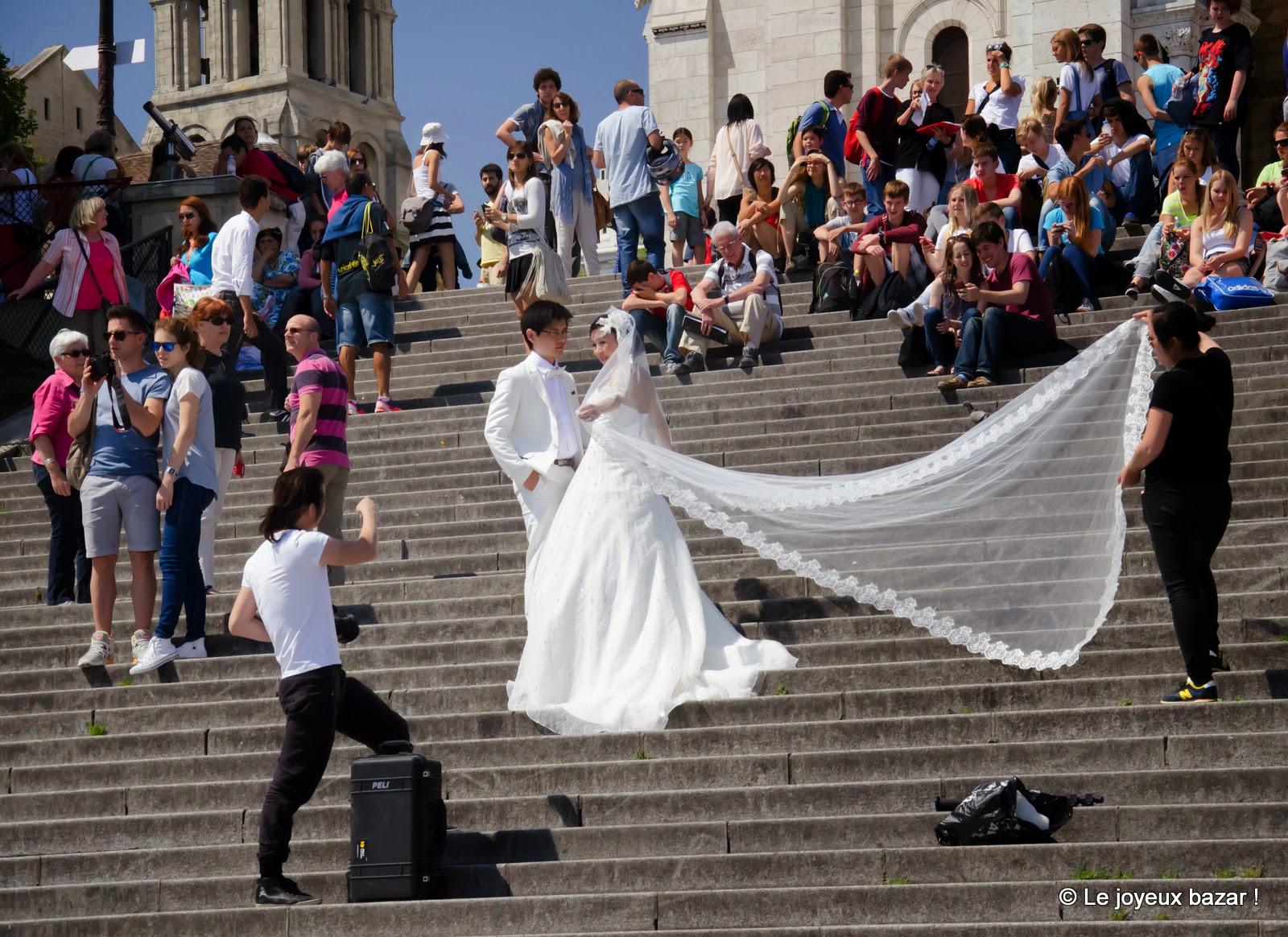 Paris - Montmartre - Sacré Coeur et mariés