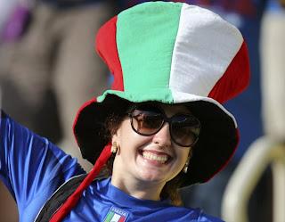 Foto cewek cantik fans Italia