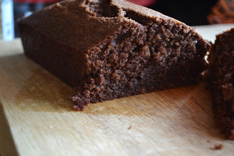 COMFORT BITES BLOG: Chocolate and Almond Loaf Cake