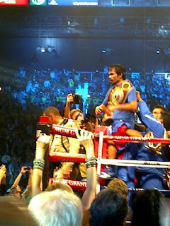 Paris Hilton tweets photo of friend Manny Pacquiao