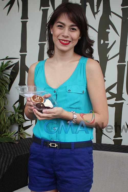Bettinna Carlos with her Baked Bites Goodies!