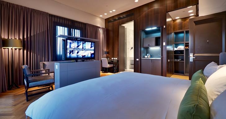 Modern hotel room in Hotel Indigo in Tel Aviv