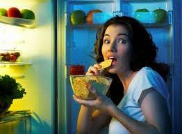 dampak makan sebelum tidur