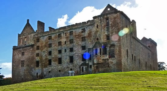 Linlithgow Peel, James VI of Scotland, Mary Queen of Scots, birthplace
